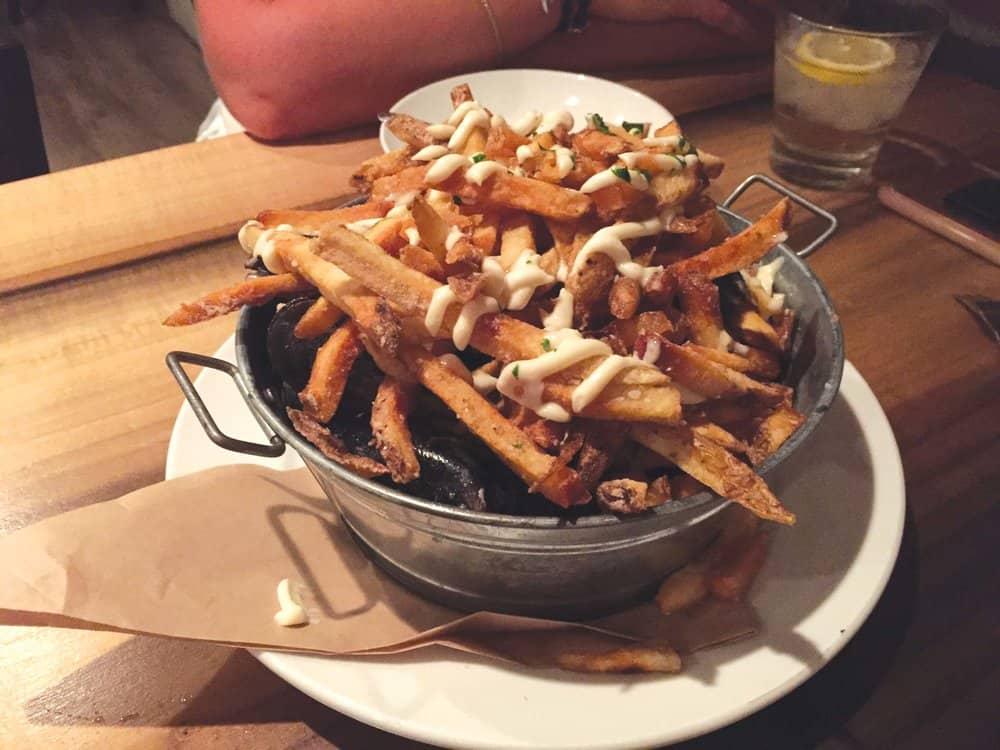 Fox's Den Moules & Frites