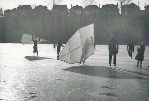 Ice-skating with sails