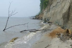 Cliff Collapse Scare in Chesapeake Beach