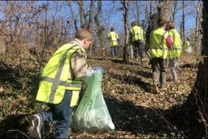 BAY LIVING: Simultaneous Bay Cleanups Across Annapolis