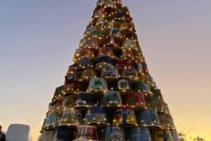 VIDEO: Kent Island Crab Basket Tree Lights up for Waterman