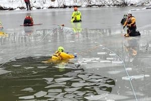 SLIDESHOW: Inside Marine Emergency Responders' Cold-Water Training
